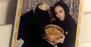 贾乃亮发微博自己一个人吃饭 同天PG One和李小璐共框秀美照